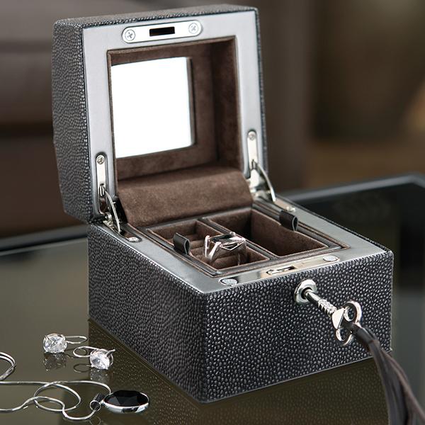 U933 faux stingray box 1