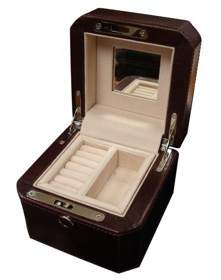 U933_4-vegetta-jewelry-box-1-2